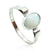 Zlatý prsten s bílým opálem 840.00084