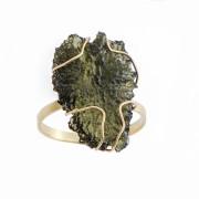 Zlatý prsten s přírodním vltavínem 860.00040