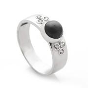 Zlatý prsten s hematitem a zirkony 140.00020
