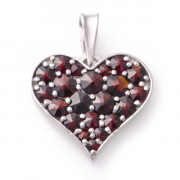 Stříbrný přívěsek srdce s českými granáty 970.00003