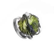 Stříbrný prsten s vltavínem 860.00025