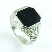 Stříbrný pánský prsten s onyxem 230.00001