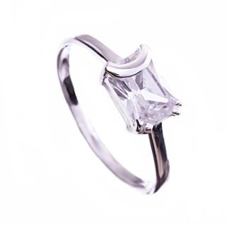 Stříbrný prsten obdelníkový zirkon 010.00286