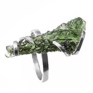 Stříbrný prsten s vltavínem.01.860.00019