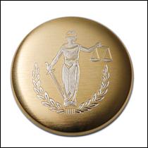 Rytí na kapesní hodinky symbolu spravedlnost