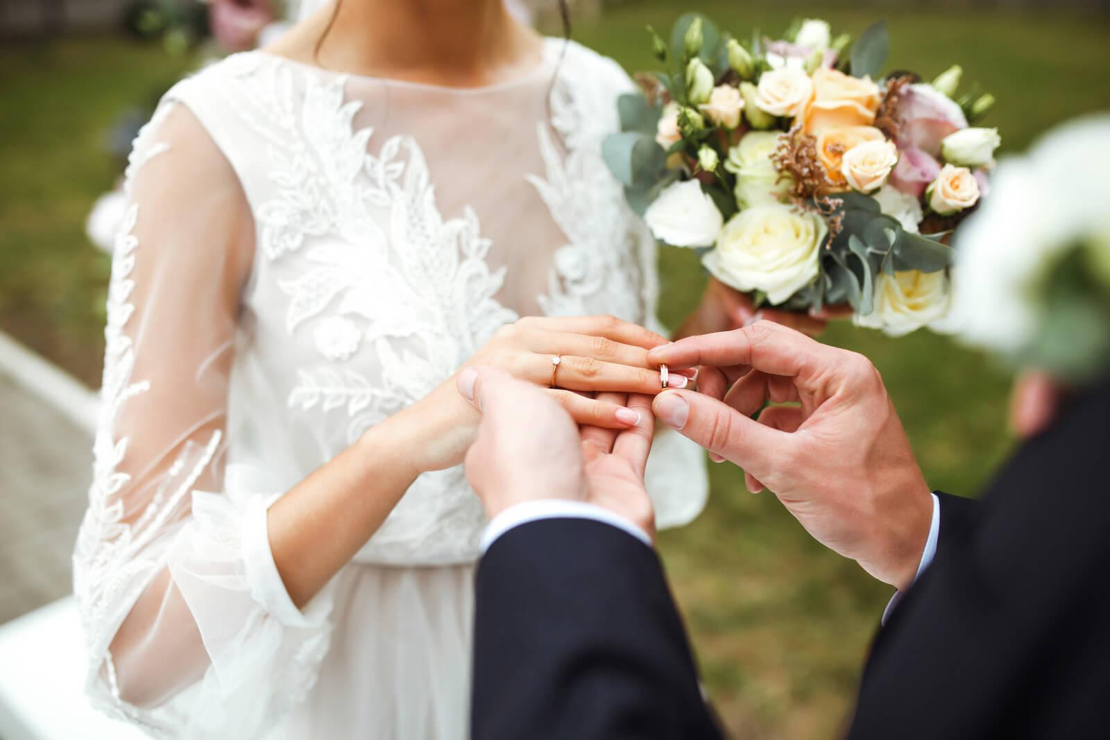 Svatba narychlo: Snubní prsteny na poslední chvíli?